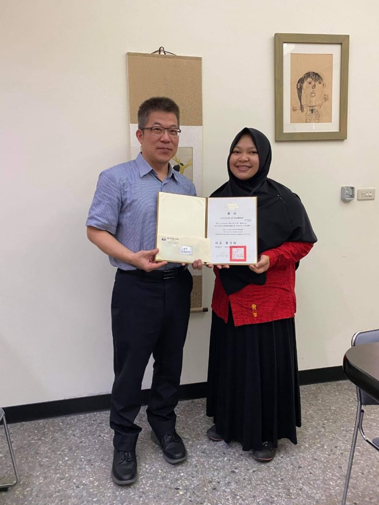 Mahasiswa Universitas Ahmad Dahlan Meraih First Runner Up dalam Kompetisi Vlog di Hungkuang Taiwan